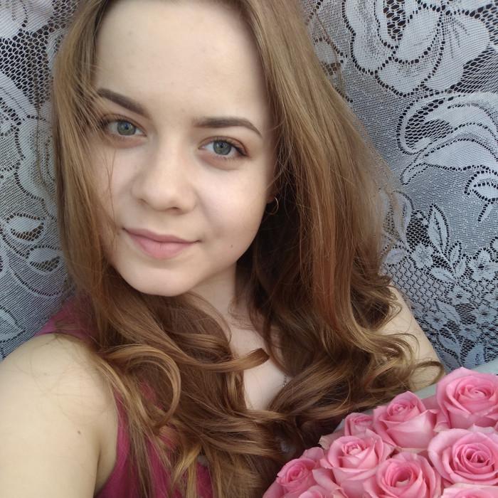Елена Столбова
